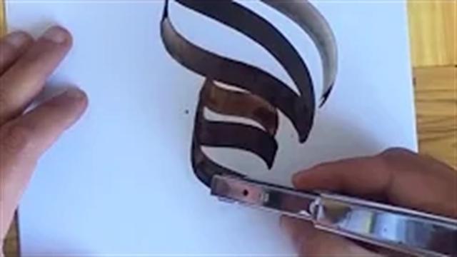 آموزش خطاطی حرفه ای با استفاده از لبه تخت دستگاه منگه